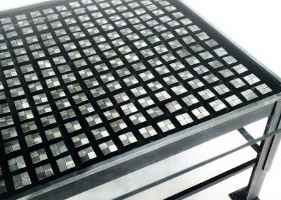 squares-table-detail